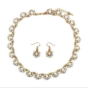 Gold classic crystal pearl necklace earrings set